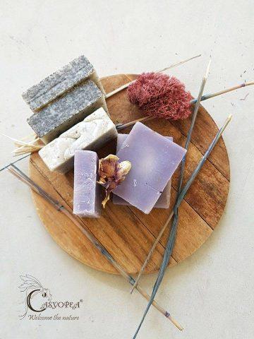 Да се погрижим за тялото с луксозните натурални сапуни на Casyopea