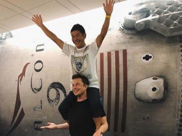 Японският милиардер Юсаки Маезава ще бъде първият частен турист до Луната – Новини за компютри, смартфони, технологии и наука