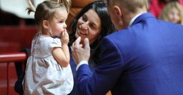 Над 16 000 лева събраха русенци на концерта за малката Лори – Вестник Утро