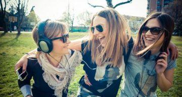 Музика и радио на GSM – чрез слушалки, Bluetooth слушалки |