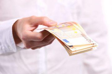 Бързи кредити веднага – защо да се възползвате от този финансов продукт?