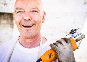 Защо е необходима помощта на майстори при домашните ремонти