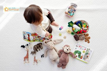Колко са важни играчките и аксесоарите в развитието на бебето