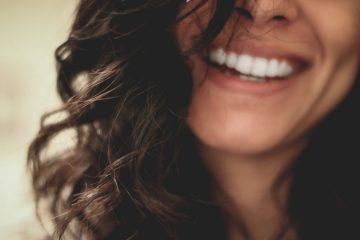 Съвет от стоматолог: Как да се грижим за чувствителните зъби