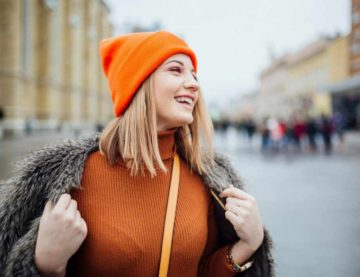 Плетените шапки модерни и секси