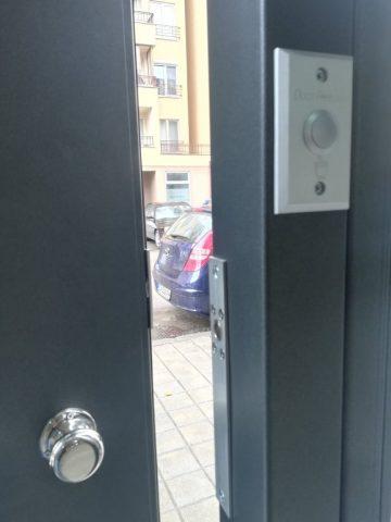 Колко струва спокойствието на живущите в един жилищен вход   Chuime.bg