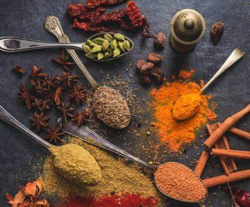 Силата на обичаните от всички подправки: От вкусно ястие до афродизиак