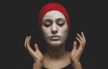 10 маски за лице против бръчки, които трябва да опитате у дома
