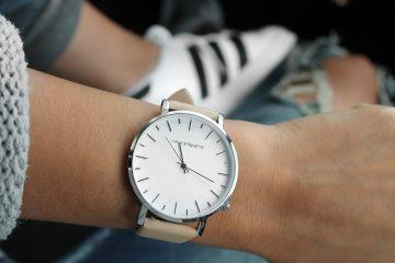 Как да промените стила на дамския си часовник през лятото