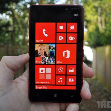 Nokia Lumia 820 – изкусителна, но скъпа – Ecoc